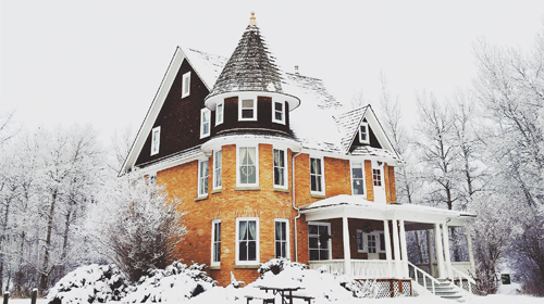Advantages of Selling or Buying a Home in Winter